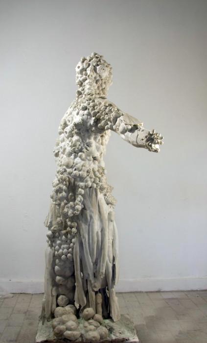 Jana Mertens - Arcimbolda, 2012, Gips für Aluminium, 206 x 120 x 90 cm