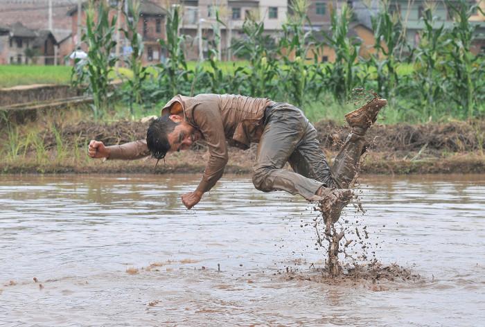 Li Binyuan, Freedom Farming, 2014, Videoausschnitt © Li Binyuan